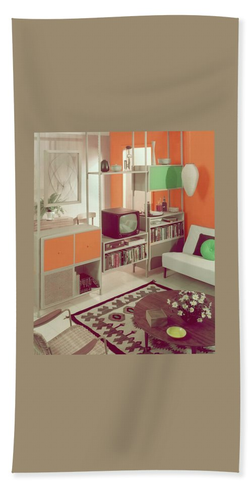 Dec-erector Bath Towel featuring the photograph An Orange Living Room by Haanel Cassidy