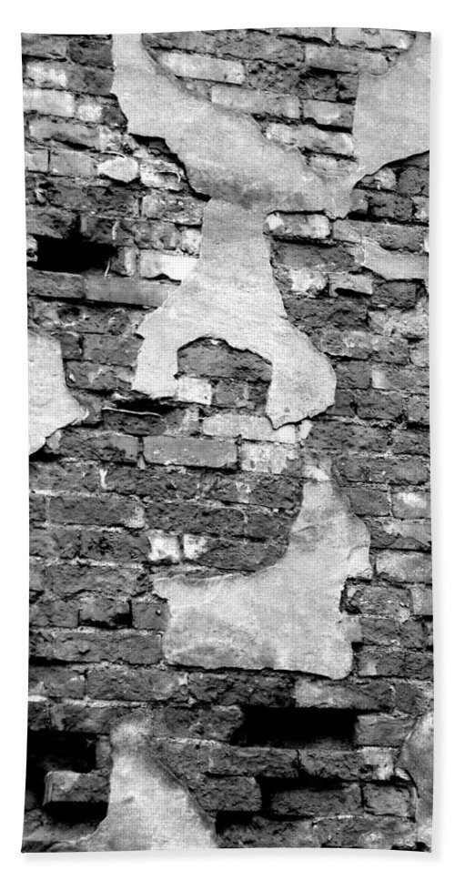 Brick Bath Sheet featuring the photograph Angry Decay by Donna Blackhall