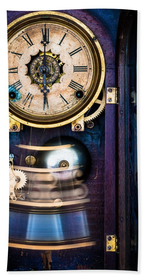 Ansonia Hand Towel featuring the photograph Ansonia Clock by Edgar Laureano