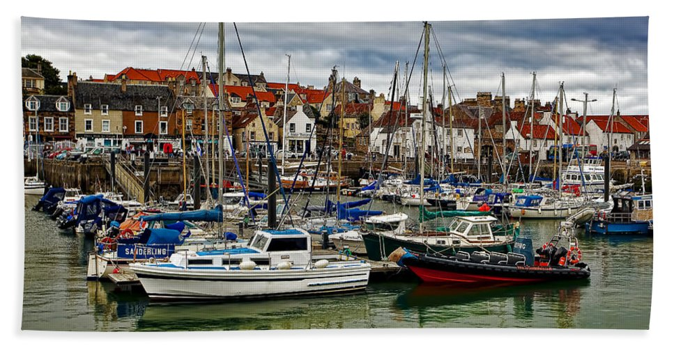 Landscape Bath Sheet featuring the photograph Anstruther Harbour by Marcia Colelli