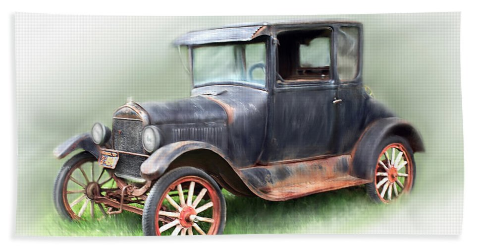 Model T Car Bath Sheet featuring the painting Antique Car by Bonnie Willis