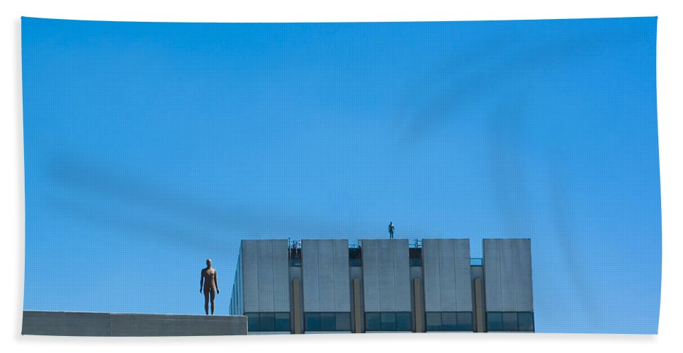 Sculpture Hand Towel featuring the photograph Antony Gormley Sculpture On London Rooftops by Peter Lloyd
