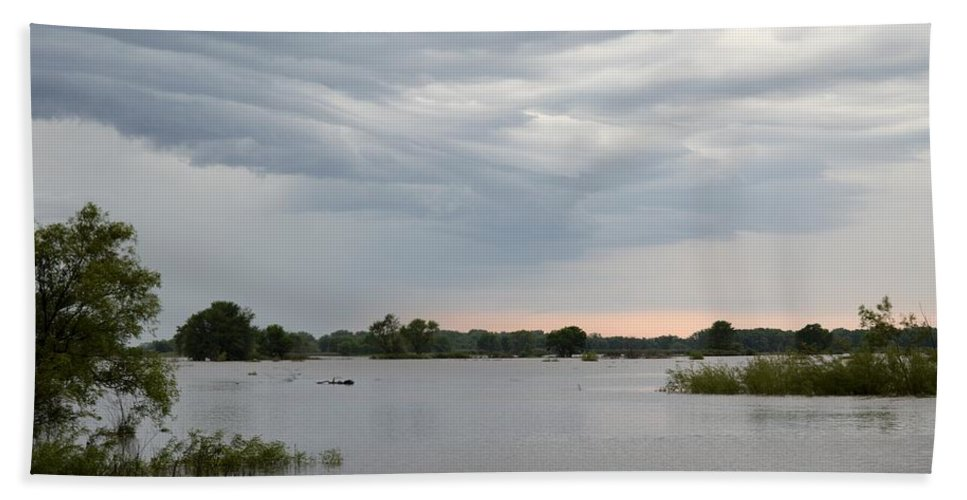 Storm Bath Sheet featuring the photograph Approaching Storm by Bonfire Photography