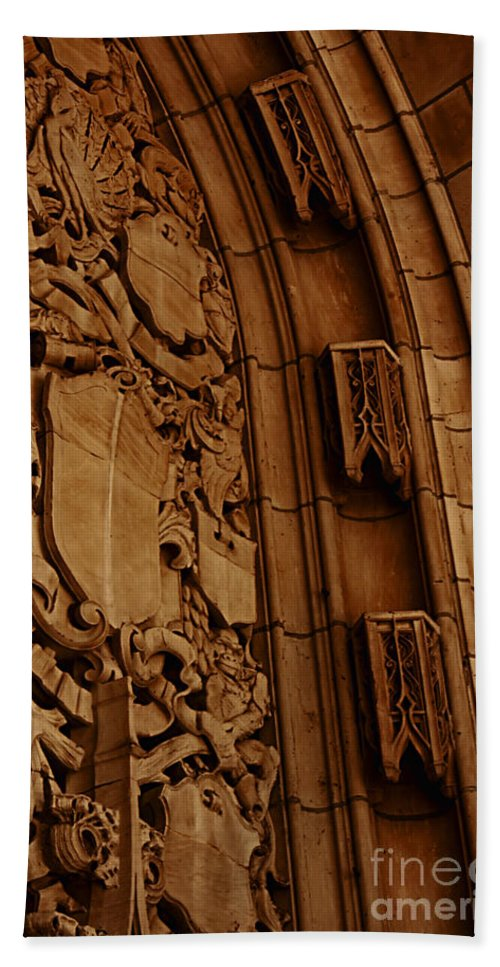 Detail; Architecture; Architectural; Ornate; Famous; Facade; Exterior; Stone; Carved; Historic; Chicago; Illinois; Usa; United States; Tribune; Tower; Arch; Old; Building; Close Up Hand Towel featuring the photograph Arch Details by Margie Hurwich