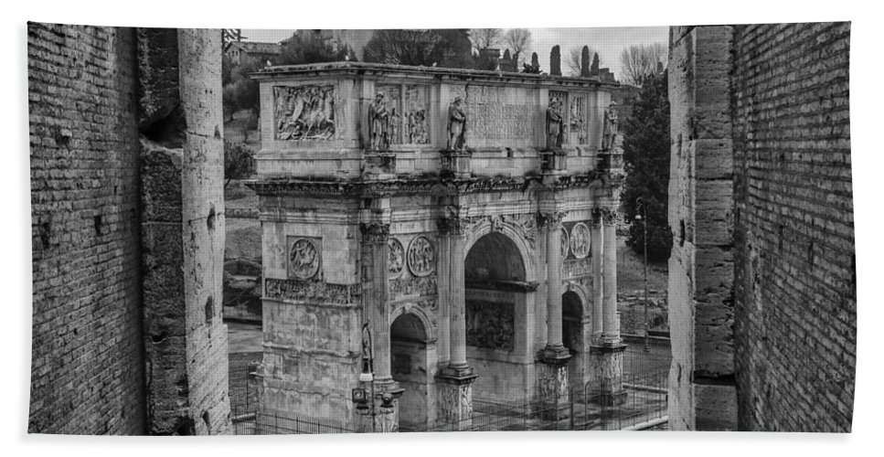 Arch Hand Towel featuring the photograph Arch Of Constantine by Pablo Lopez