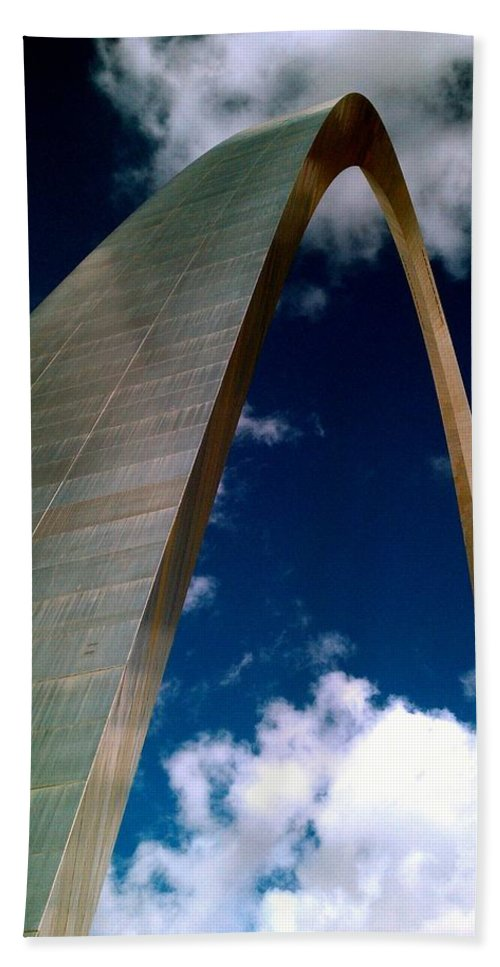 Saint Louis Arch Bath Sheet featuring the photograph Arch To The Sky by Kenny Glover