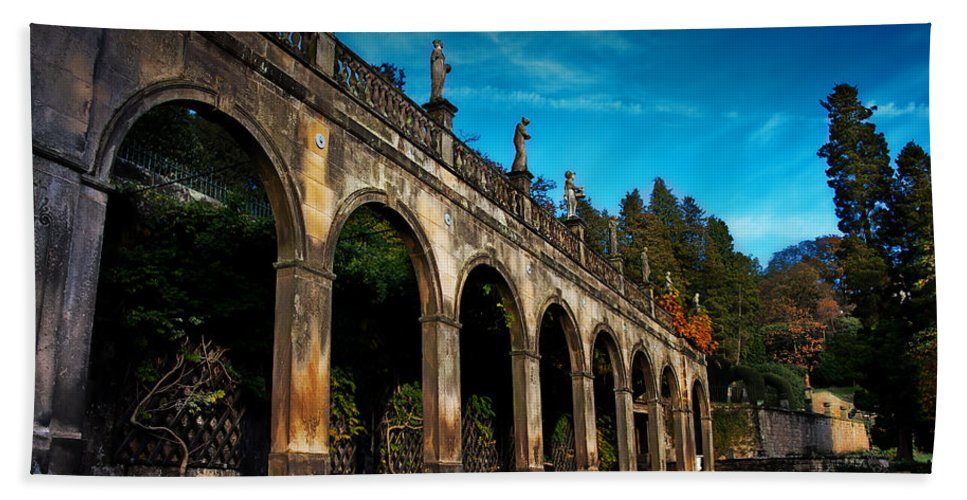 Arches Hand Towel featuring the photograph Arches And Statues by Beverly Cash