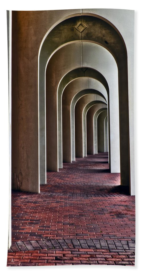 Cnu Bath Sheet featuring the photograph Arches Of Ferguson Center by Jerry Gammon