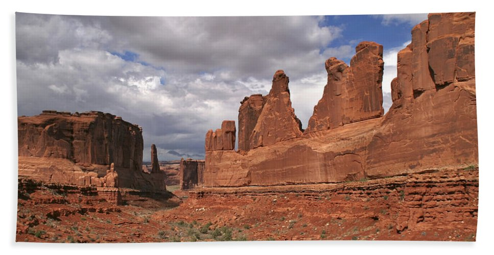 Arches Park Avenue Bath Sheet featuring the photograph Arches Park Avenue by Wes and Dotty Weber