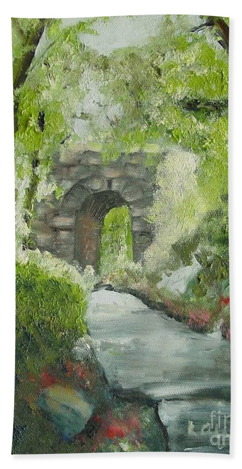 New York Hand Towel featuring the painting Archway In Central Park by Laurie Morgan