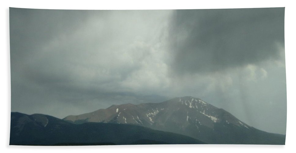 Storm Cloud Photographs Canvas Prints Arrowhead Cloud Formations Rocky Mountains Colorado Sky Surreal Skyscapes Strange Skies Gray Clouds Arrow Cloud Prints Stormscape Posters Bizarre Sky Ominous Overcast Bad Weather Dark Cloud Hand Towel featuring the photograph Arrowhead Cloud by Joshua Bales