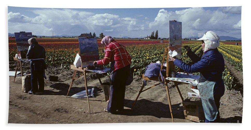 Pacific Northwest Hand Towel featuring the photograph Artists Painting Tulip Fields Standing In A Row by Jim Corwin