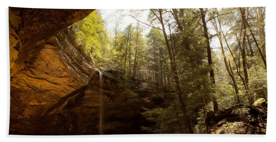 Akron Bath Sheet featuring the photograph Ash Cave 2 by Jack R Perry