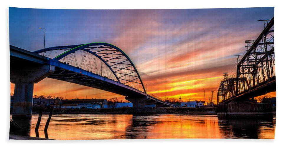 Sunset Hand Towel featuring the photograph Atchison Sunset by Mark McDaniel