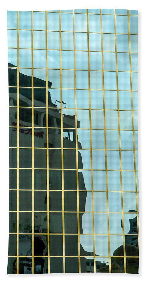 Architecture Hand Towel featuring the photograph Auckland Reflection by Mark Llewellyn