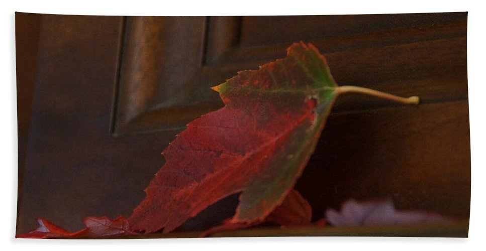 Autumn Hand Towel featuring the photograph Autumn Piano 5 by Mick Anderson