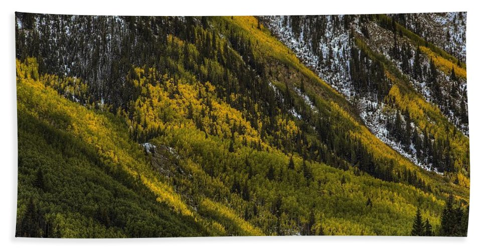 Landscape Hand Towel featuring the photograph Autumn Streaks by Bill Sherrell