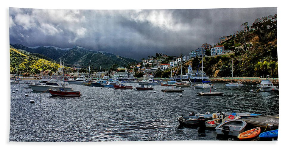 Avalon Bath Towel featuring the photograph Avalon Harbor by Stefan H Unger