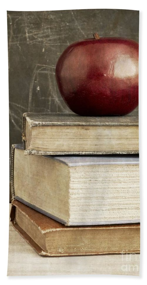 Back Bath Towel featuring the photograph Back To School Apple For Teacher by Edward Fielding