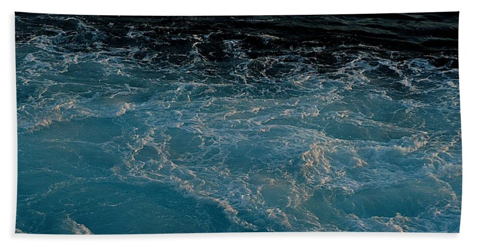 Backwash Hand Towel featuring the photograph Backwash by Joseph Yarbrough