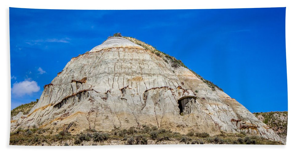 Badlands Hand Towel featuring the photograph Badlands 29 by Chad Rowe