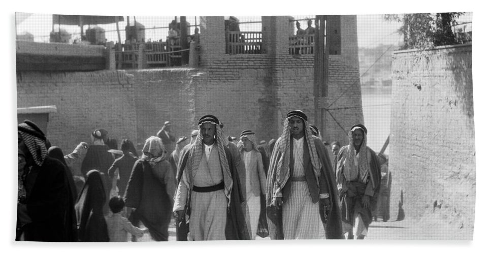 1932 Hand Towel featuring the photograph Baghdad Steet Scene by Underwood Archives