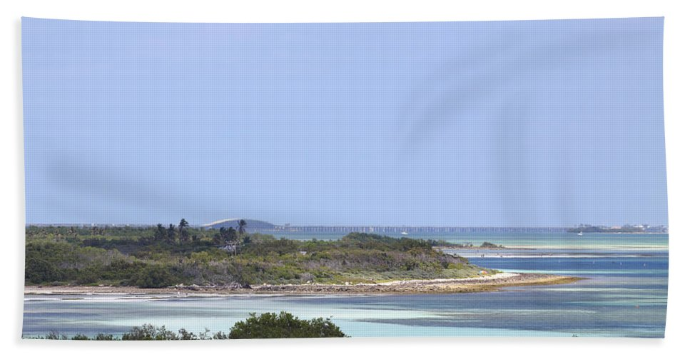 Atlantic Hand Towel featuring the photograph Bahia Honda by Rudy Umans