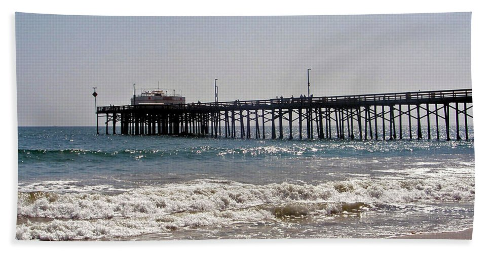 Water Hand Towel featuring the photograph Balboa Pier2 by Carolyn Stagger Cokley