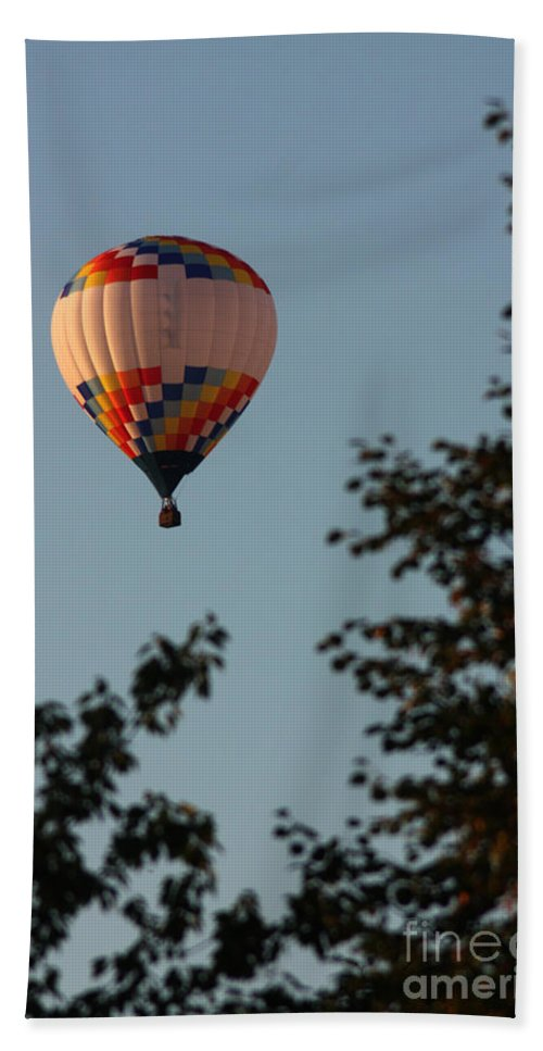 Hot Air Balloon Bath Sheet featuring the photograph Balloon-7097 by Gary Gingrich Galleries
