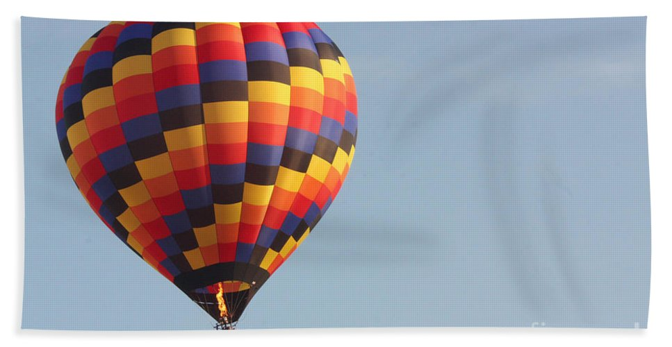 Hot Air Balloon Bath Sheet featuring the photograph Balloon-color-7302 by Gary Gingrich Galleries