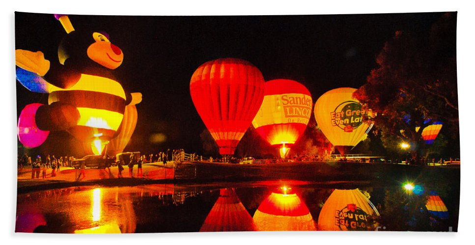 Balloon Fest Bath Sheet featuring the photograph Balloon Fest 2 by Larry White