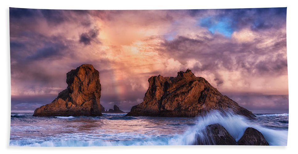 Storm Hand Towel featuring the photograph Bandon Beauty by Darren White