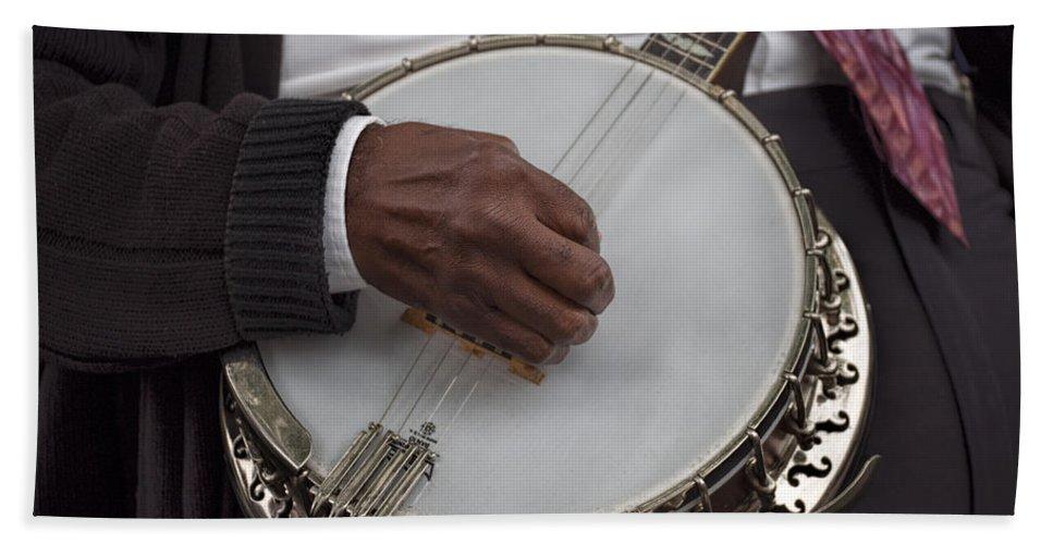 Banjo Bath Sheet featuring the photograph Banjo Music by David Kay