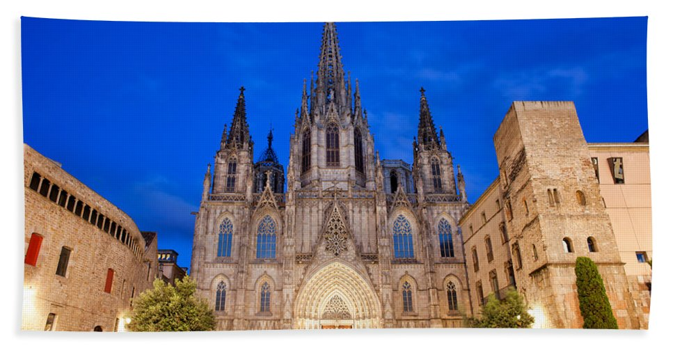 Barcelona Hand Towel featuring the photograph Barcelona Cathedral At Night by Artur Bogacki