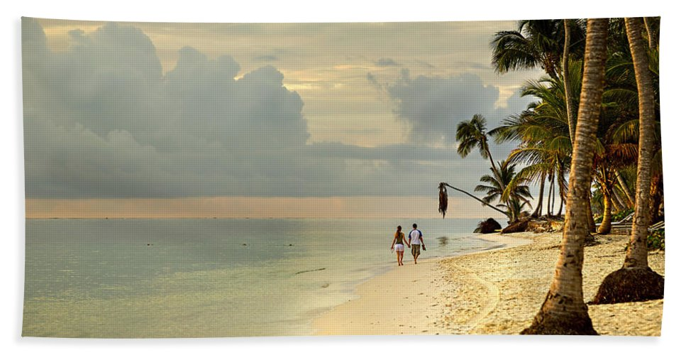Beach Hand Towel featuring the photograph Barefoot On The Beach by Ian Good