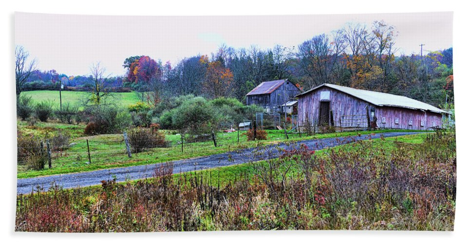Paul Ward Bath Sheet featuring the photograph Barn - End Of The Road by Paul Ward