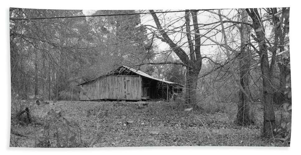 Barn Hand Towel featuring the photograph Barn In Black by Darrell Clakley