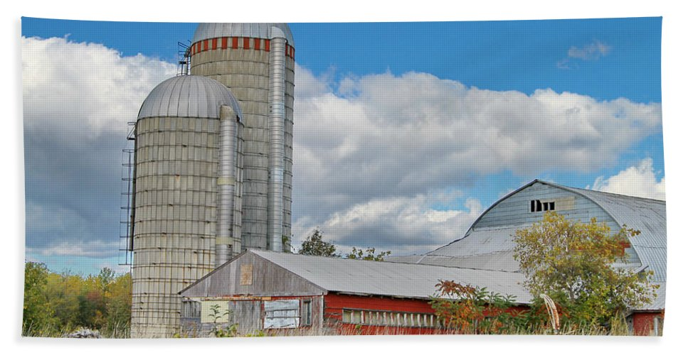 Barn Hand Towel featuring the photograph Barn In The Clouds by Deborah Benoit