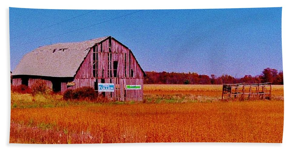 Barn Van Dyke Hand Towel featuring the photograph Barn Van Dyke by Daniel Thompson