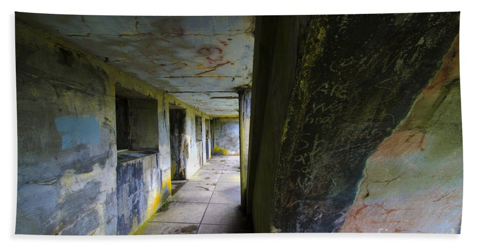 Battery Russell Bath Sheet featuring the photograph Battery Russell Oregon 6 by Bob Christopher