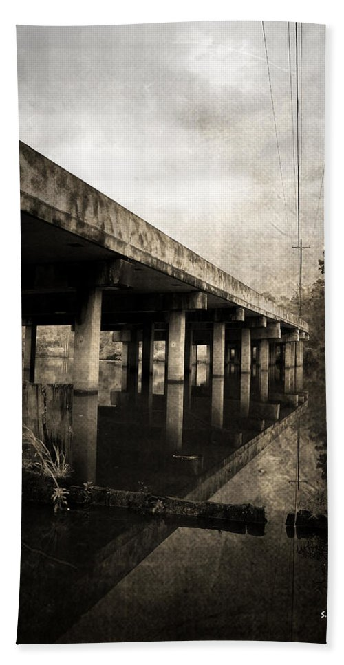 Water Bath Towel featuring the photograph Bay View Bridge by Scott Pellegrin