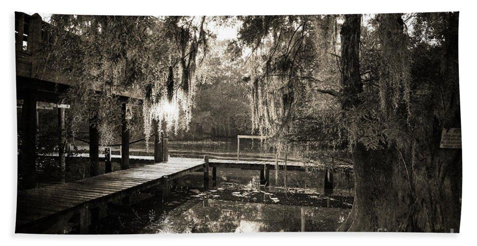 Swamp Bath Towel featuring the photograph Bayou Evening by Scott Pellegrin