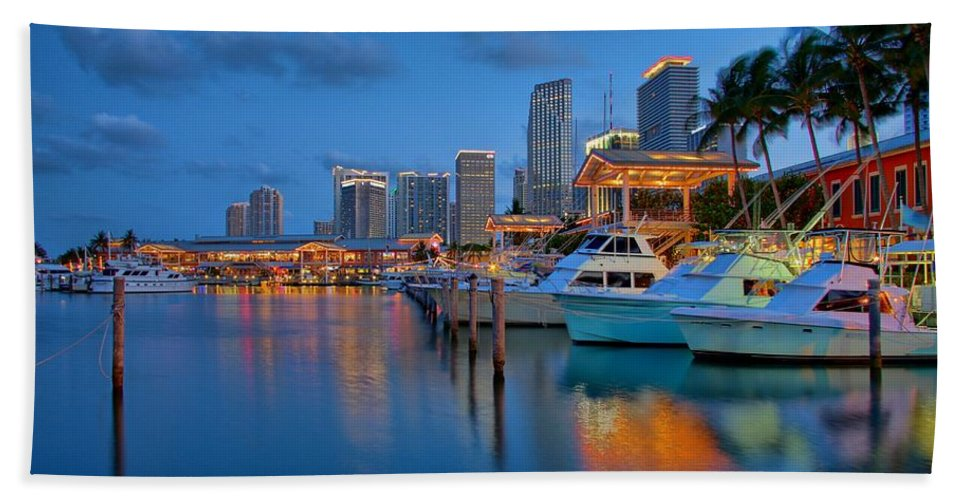 United States Hand Towel featuring the photograph Bayside Marketplace by Claudia Domenig