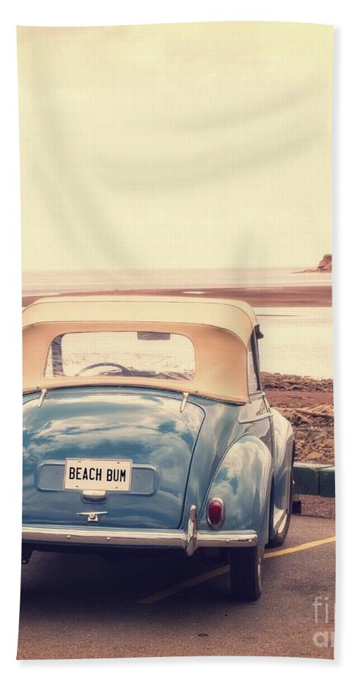 Automobile Bath Towel featuring the photograph Beach Bum by Edward Fielding