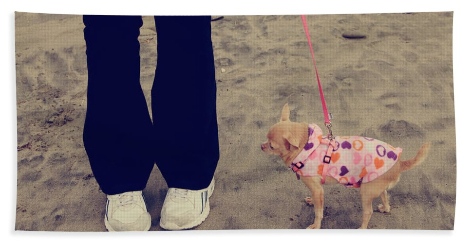 Aptos Hand Towel featuring the photograph Beach Walk by Laurie Search