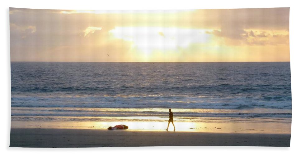 Sunset Hand Towel featuring the photograph Beachcomber Encounter by Barbie Corbett-Newmin