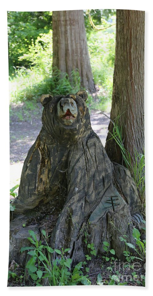 Bear Carving Hand Towel featuring the photograph Bear In A Tree by Carol Groenen