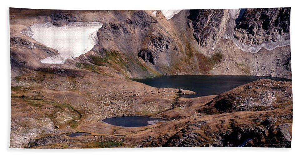 Continental Divide Hand Towel featuring the photograph Beartooth Highway Cirques by Tracy Knauer