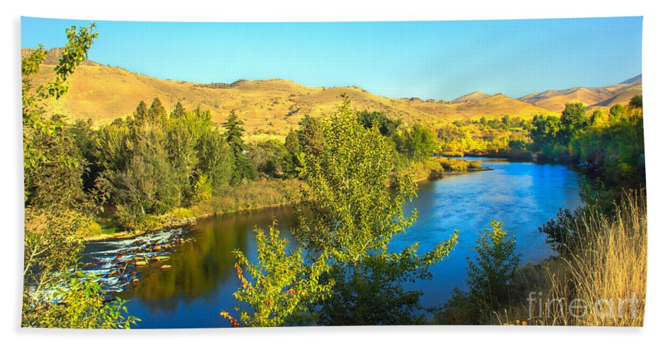 Idaho Hand Towel featuring the photograph Beautiful Payette by Robert Bales
