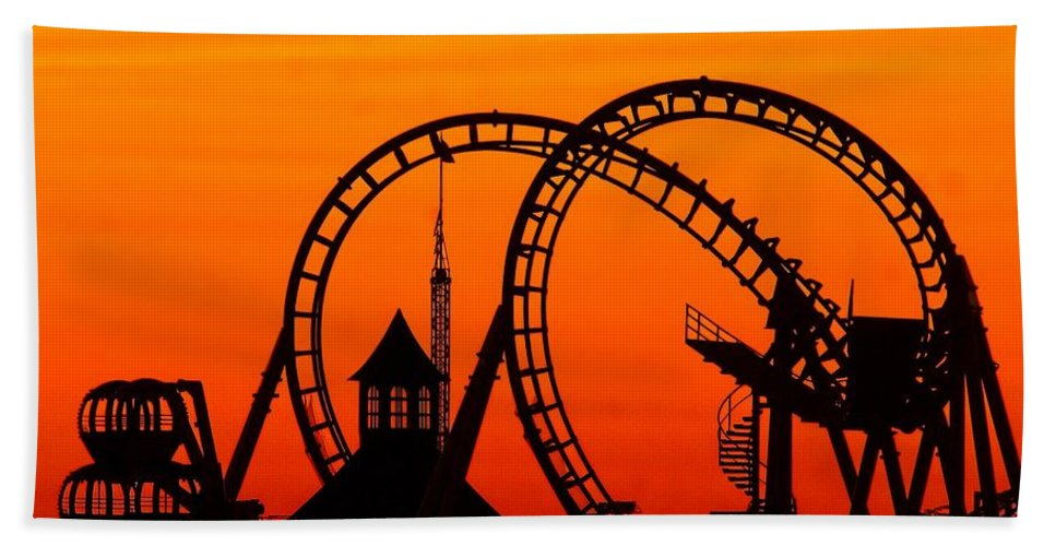 Amusement Hand Towel featuring the photograph Before The Crowds by Nick Zelinsky